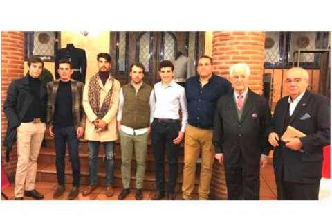Asistentes al relevo de la Junta e inauguración Sala Museo La Ancianita