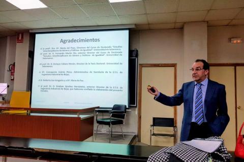 Ramón Hernández Garrido durante la presentación del estudio