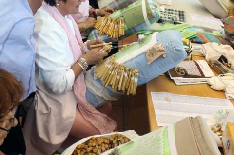 Taller de encaje de bolillos desarrollado en Béjar