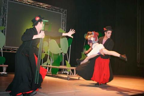 Actuación infantil en el Teatro Cervantes de Béjar