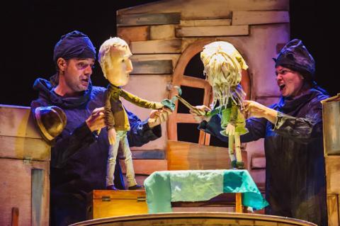 Imagen Titiriqueros, Teatro León Fellpe