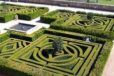 El Escorial. Cuadros de setos en el Jardín de los Frailes (Wikiwand.com).
