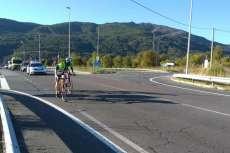 Ciclistas subiendo el Ventorro de Pelayo en el Critérium Moisés Dueñas disputado en Béjarc