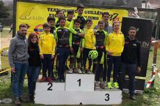 Integrantes de la Escuela de Ciclismo Bejarana en el podium durante el I Trofeo BTT Ciudad de Béjar