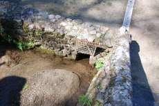 Esquina del estanque con banco de arena