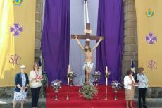 Altar frente a San Juan