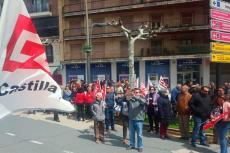 Asistentes a la manifestación del primero de mayo en La Corredera