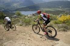 Bicicletas Ruta vetona de Béjar con pantano al fondo