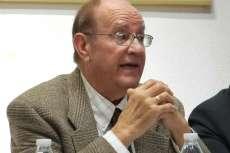 Manuel Antonio Marcos durante la presentación  de Historia, lingüística y geografía del topónimo Béjar en el Casino Obrero