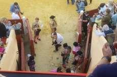Varios toreros en la plaza de toros