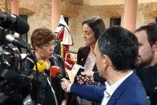 La alcaldesa de Béjar y la titular de Industria atienden a los medios de comunicación