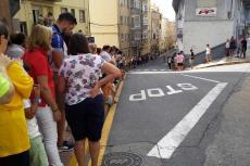 Numeroso público en la calle Olivillas, Béjar