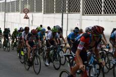 Ciclistas pasando por Béjar