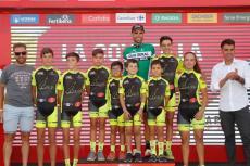 Los chicos de la Escuela de Ciclismo de Béjar en el podium